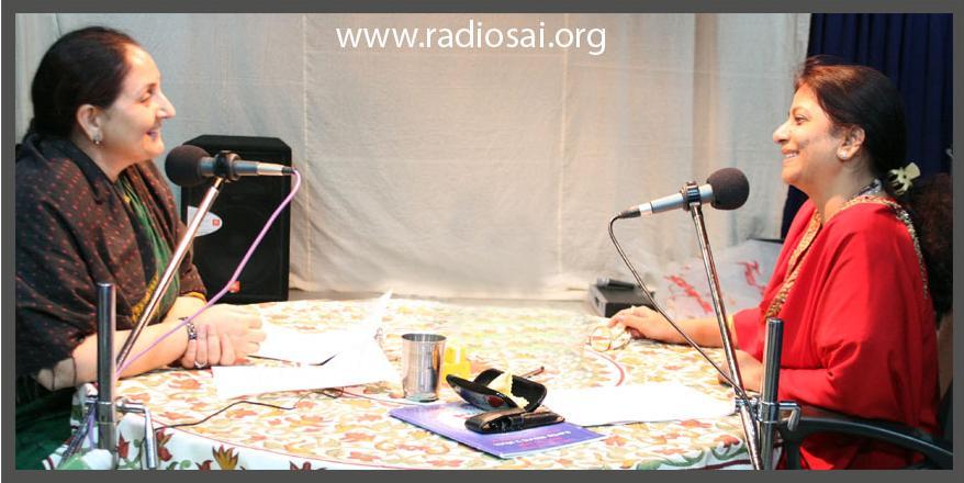 Мисс Чару Синха делится своими неизгладимыми впечатлениями на своём интервью с Радио Саи в августе 2010.